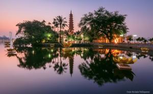 Sunset at Tran Quoc Pagoda